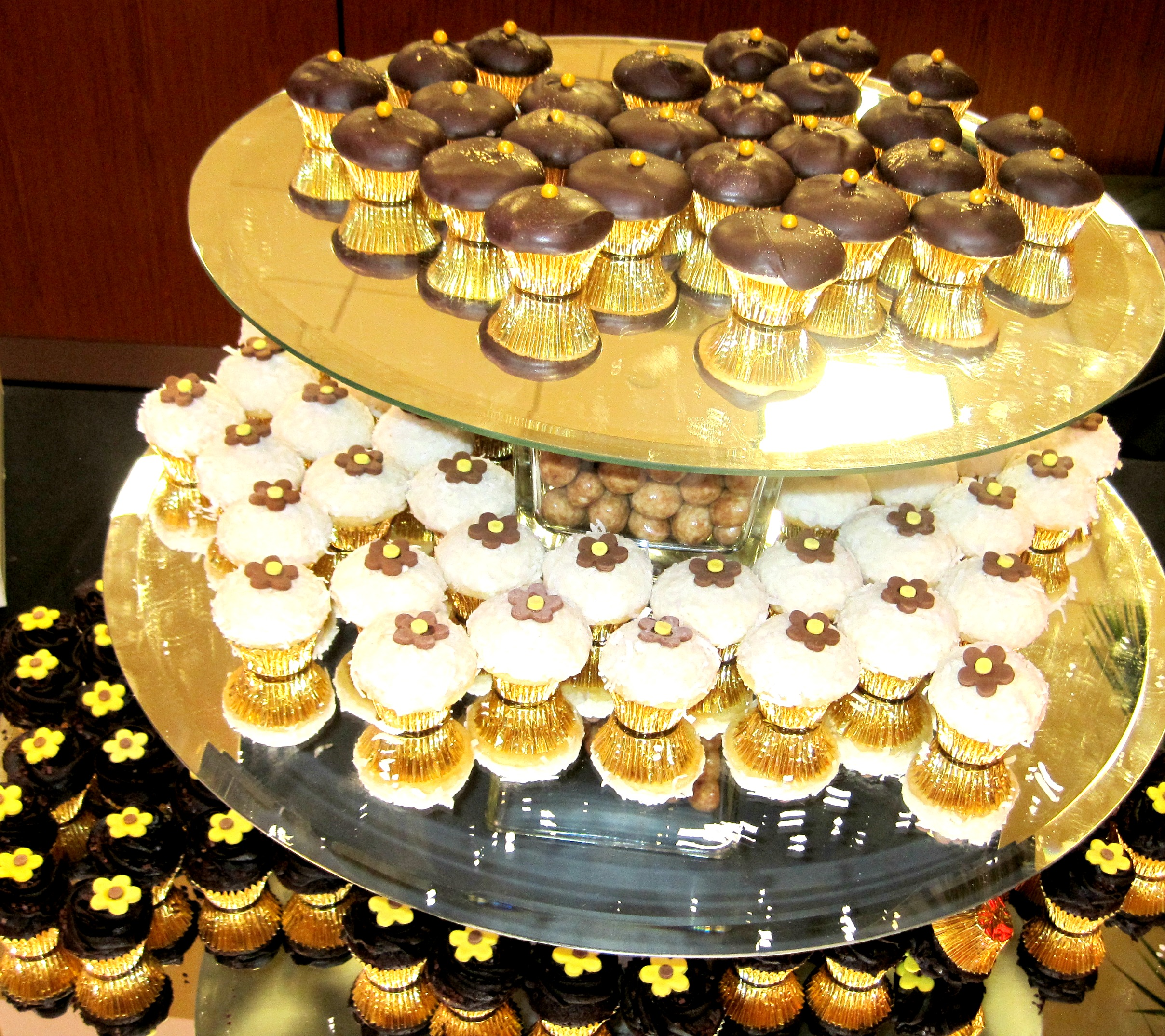 OCrestaurantweek_cupcakes