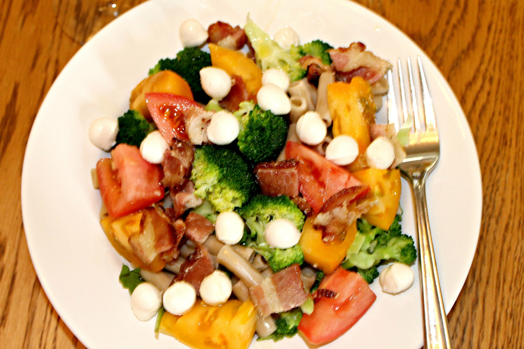 bacon mozzarella salad