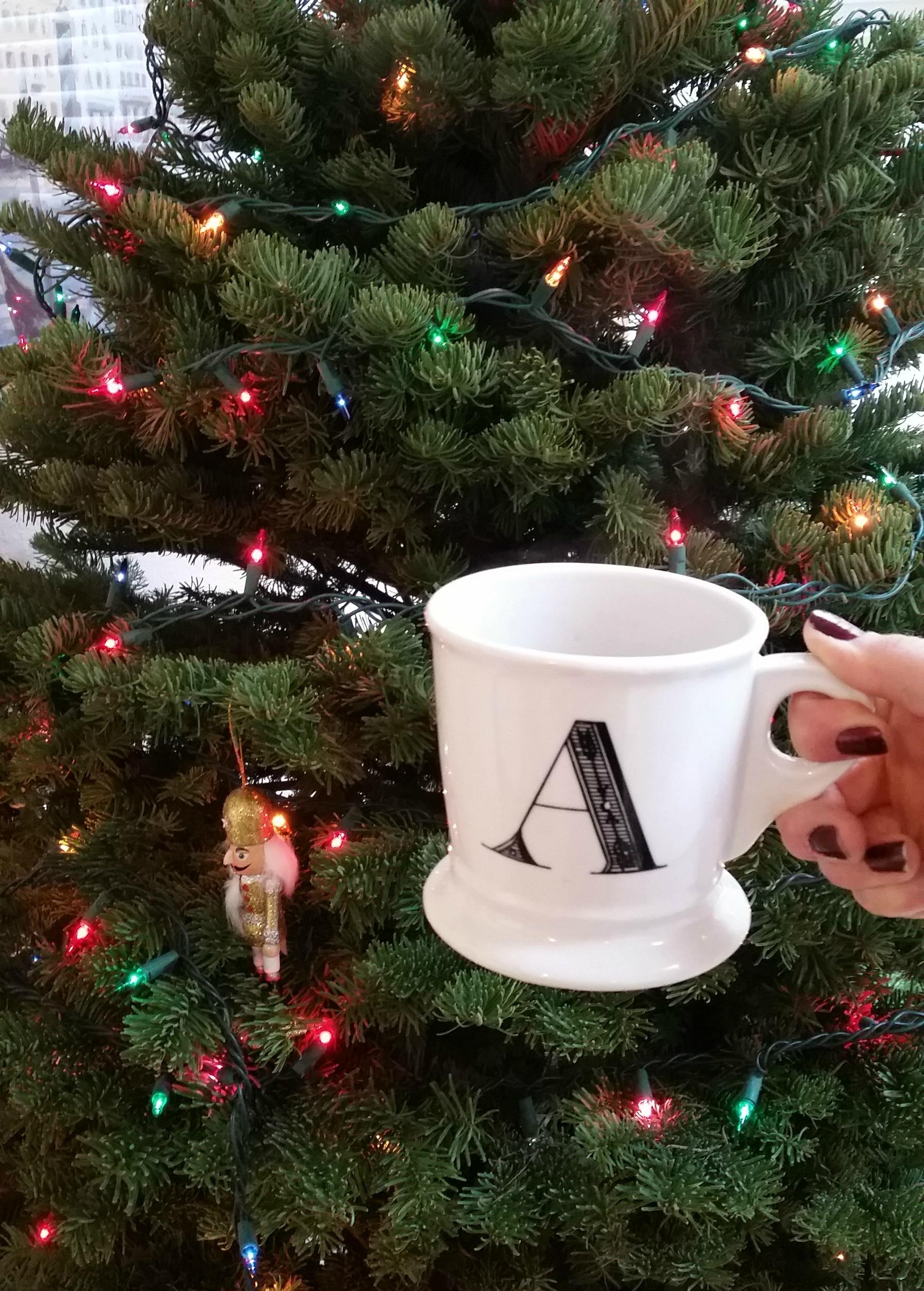 tea and christmas tree_1