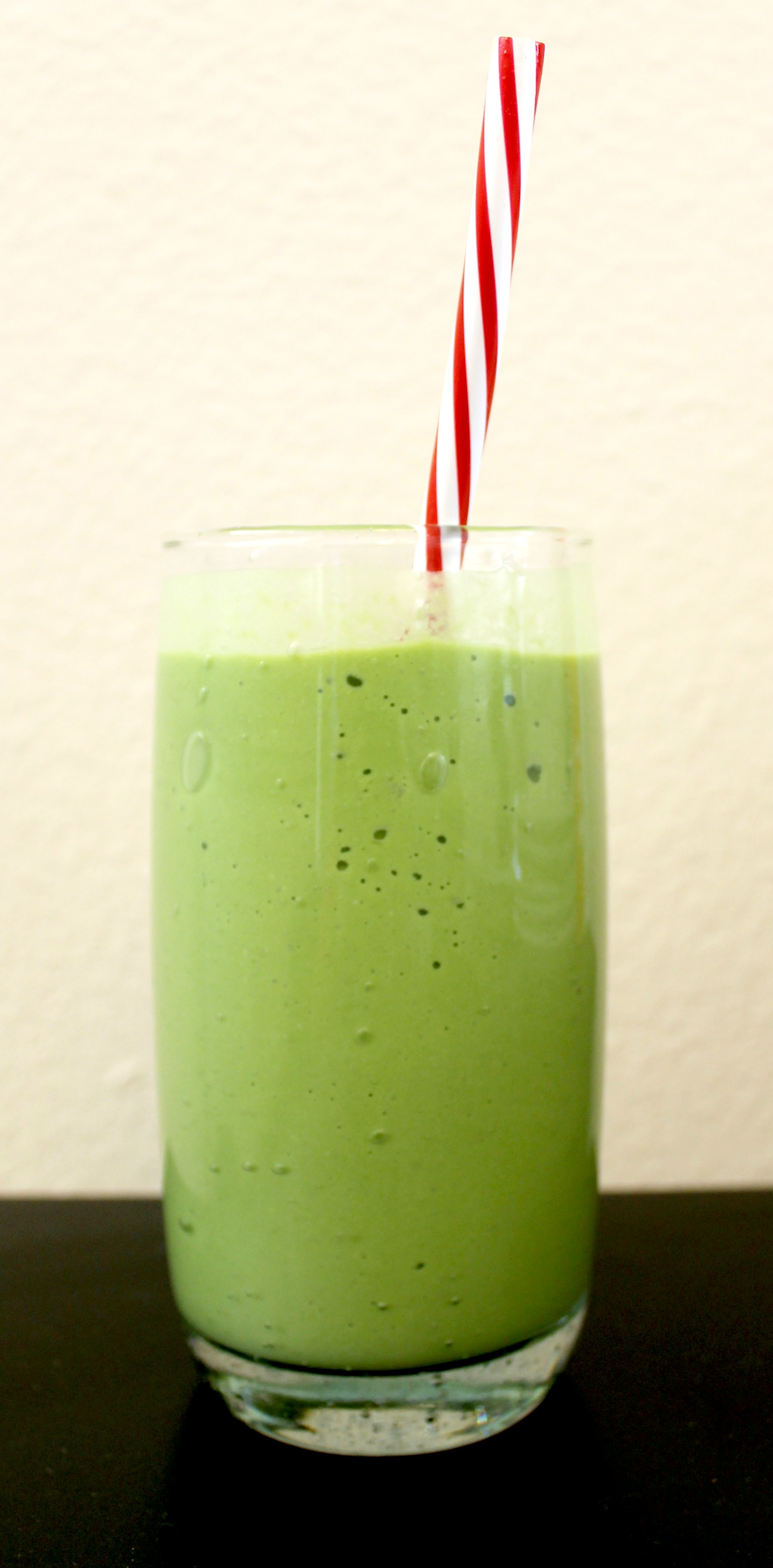 green protein smoothie straw