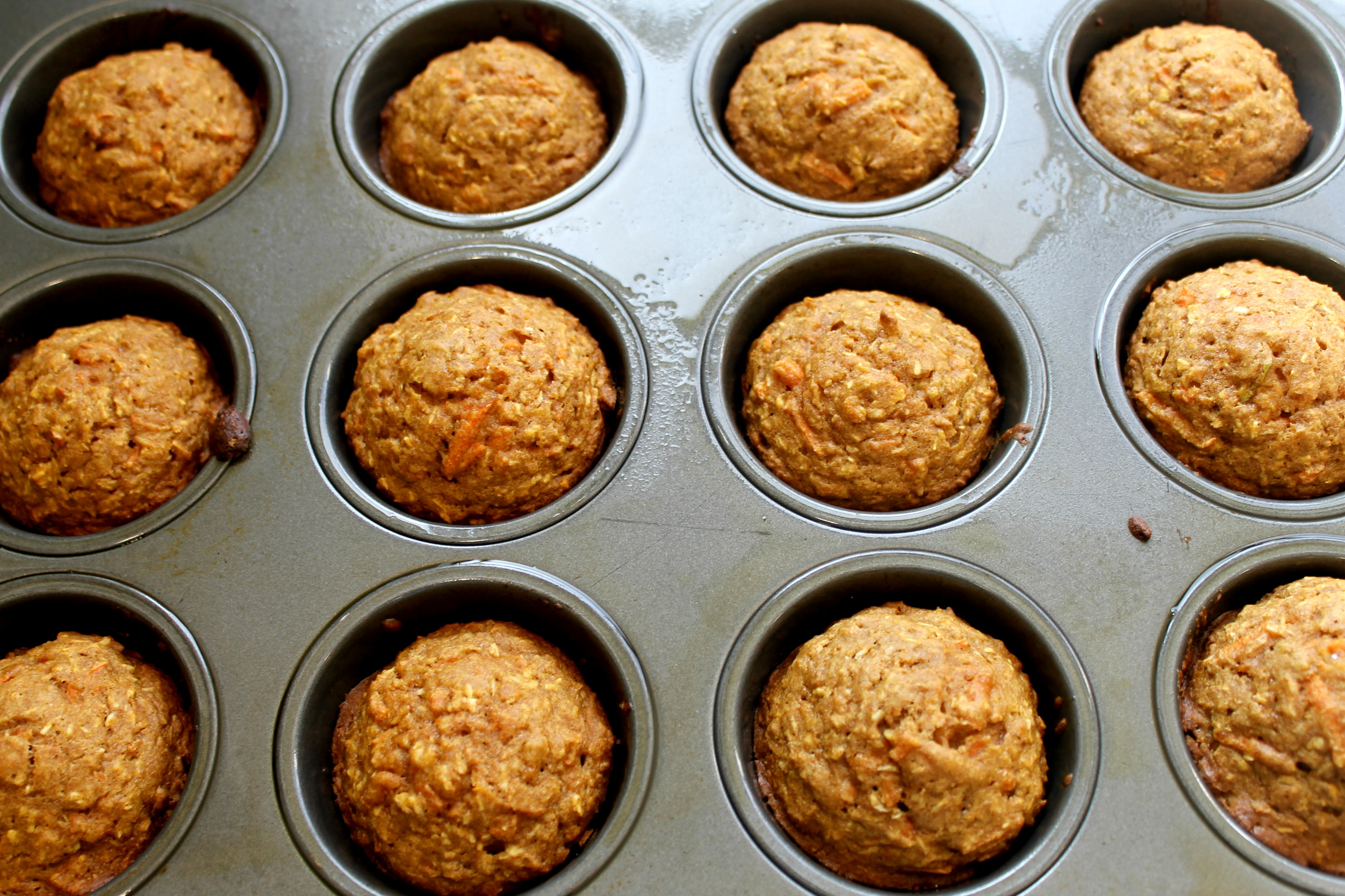 vegan carrot apple muffins tin